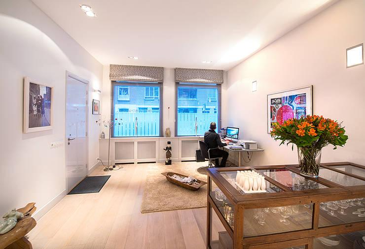 Prins Hendrikstraat:  Studeerkamer/kantoor door De Werff Architectuur