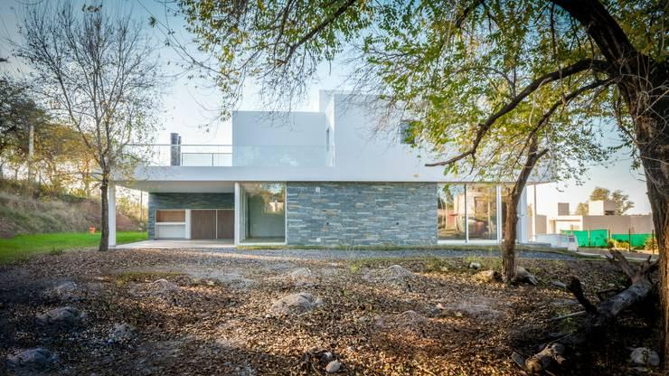 Casas Apareadas: Casas de estilo  por Estudio A+3,