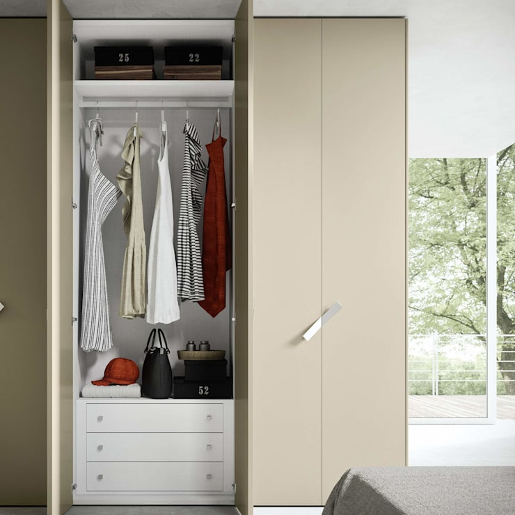 'One' hinged door wardrobe by Siluetto: modern Bedroom by My Italian Living