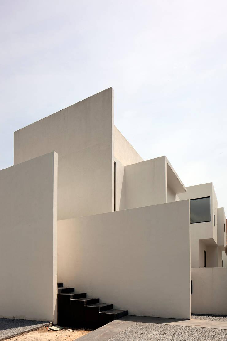 CASA AR: Casas de estilo  por Lucio Muniain et al