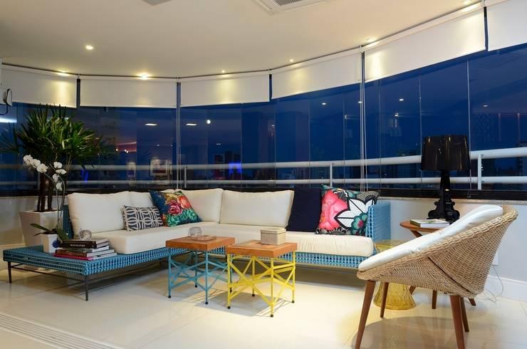 Ed. Luna Rosa: Terraços  por Rodrigo Maia Arquitetura + Design
