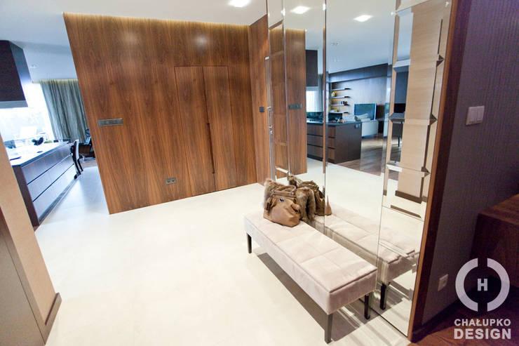 Penthouse Wilanów : styl , w kategorii Korytarz, przedpokój zaprojektowany przez Chałupko Design