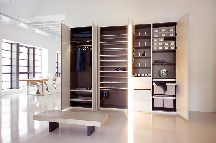 Projekty,  Garderoba zaprojektowane przez Zimmermanns Kreatives Wohnen