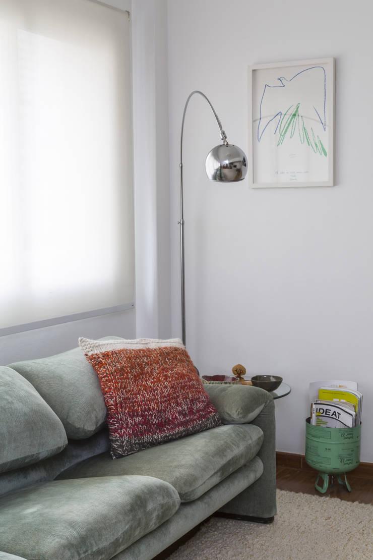 Apartamento Jardins - São Paulo: Salas de estar  por Lucia Manzano