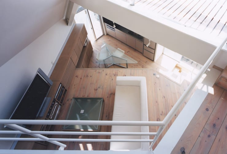 リビング上部: 一級建築士事務所 バサロ計画が手掛けたリビングです。