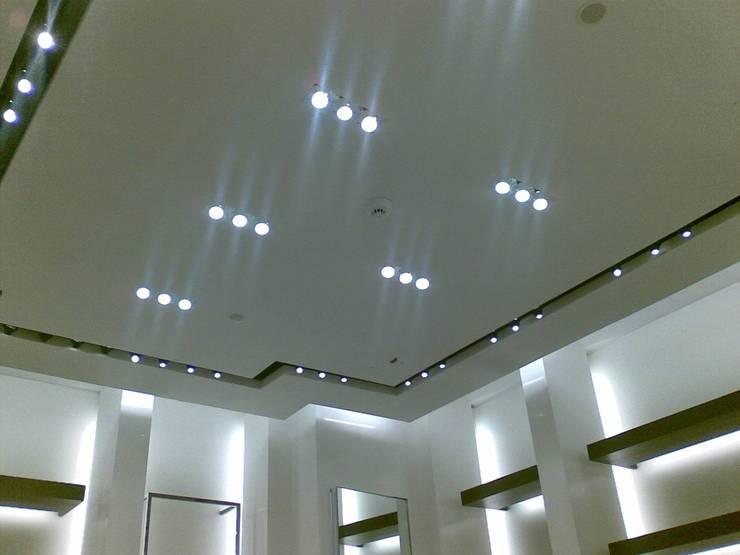 Pintura Plástica Mate Centros comerciales de estilo moderno de Pinturas oliváN Moderno