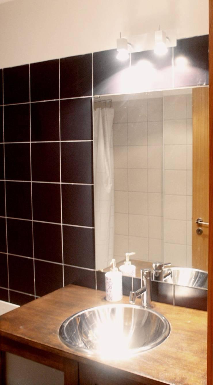 Moradia urbana no alentejo: Casas de banho  por AGUA-MESTRA, Lda;
