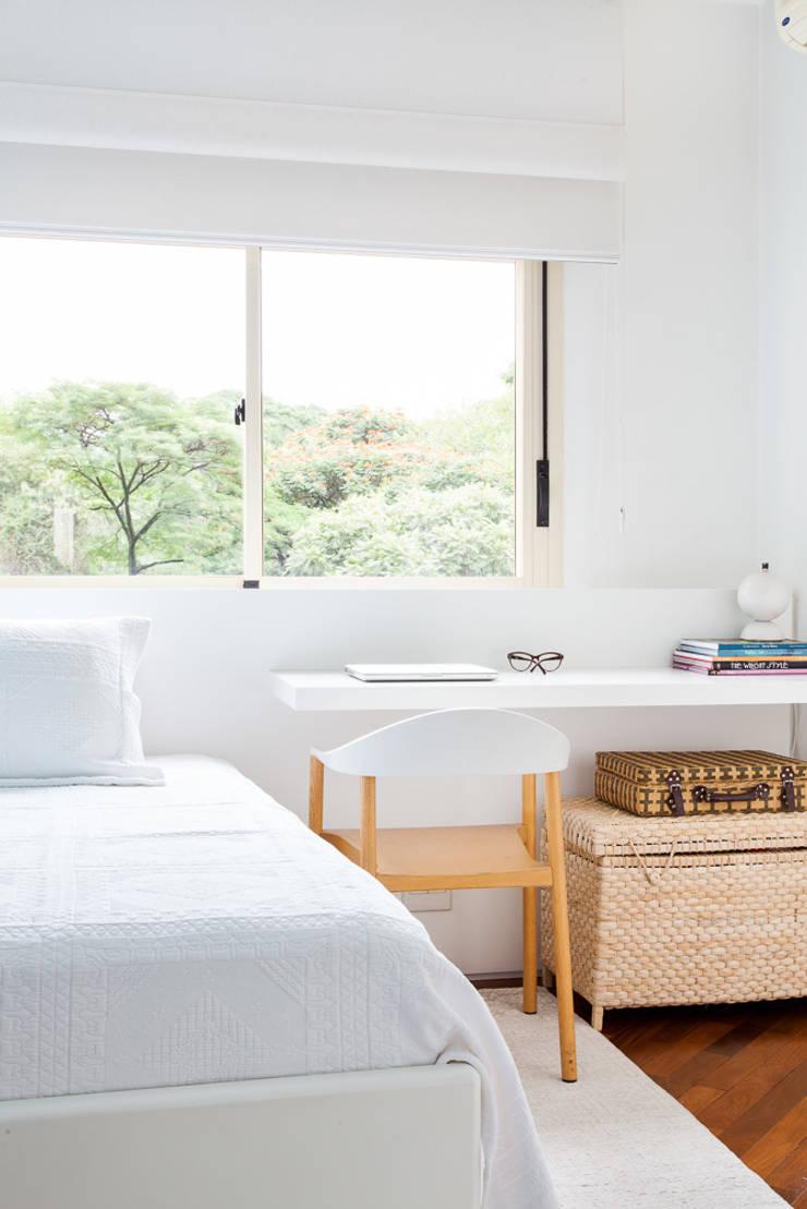 Modern Bedroom by mmagalhães estúdio Modern