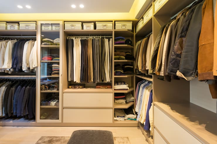 Walk in closet de estilo  por LF24 Arquitectura Interiorismo