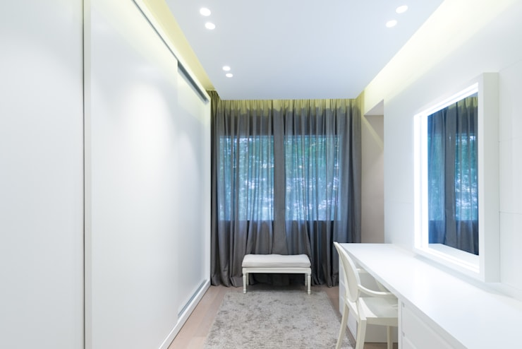 PISO MODERNO - BARCELONA  PEDRALBES: Vestidores de estilo  de LF24 Arquitectura Interiorismo