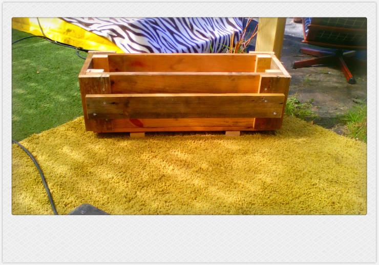 funky box  3:   door Funky furniture, Industrieel