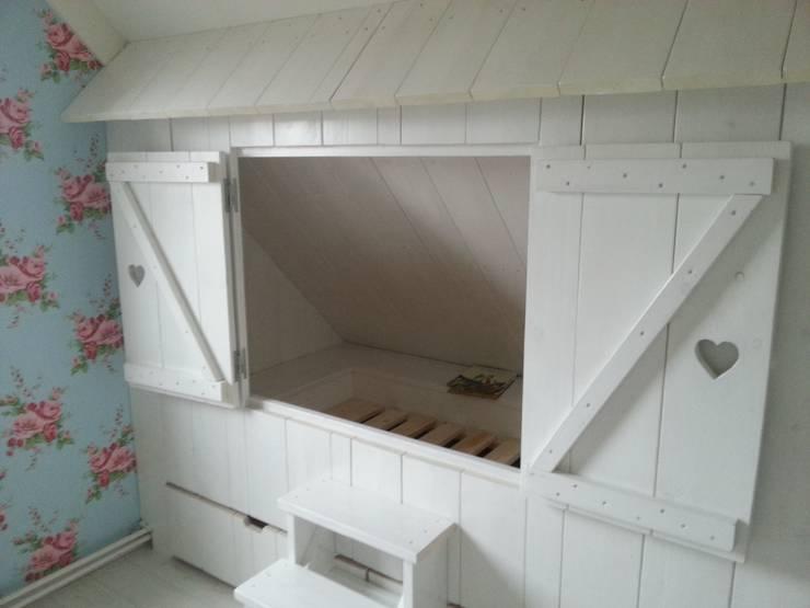 bedstee en kast:  Kinderkamer door klauterkamer