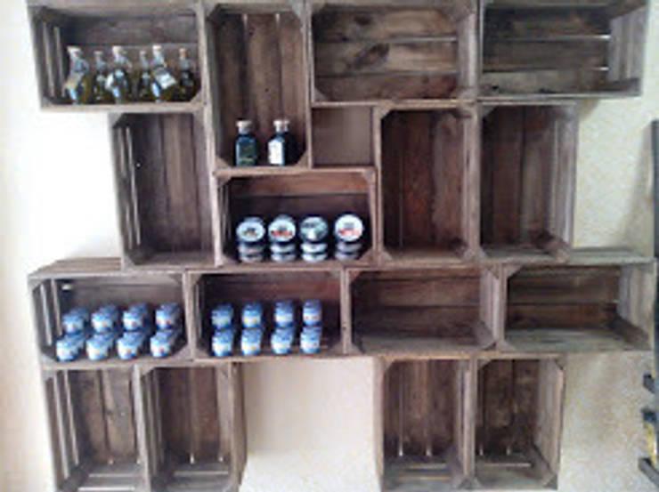 estanterias mesas i chillouts: Bodegas de estilo  de RECICLA'RT
