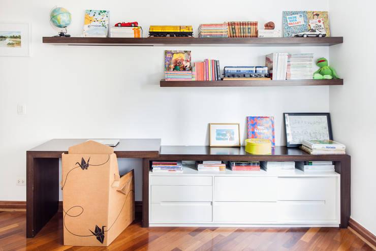 mmagalhães estúdio_Apartamento Parque: Quartos  por mmagalhães estúdio,Moderno