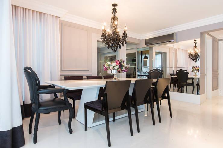 Apartamento P|B: Salas de jantar  por Lodo Barana Arquitetura e Interiores