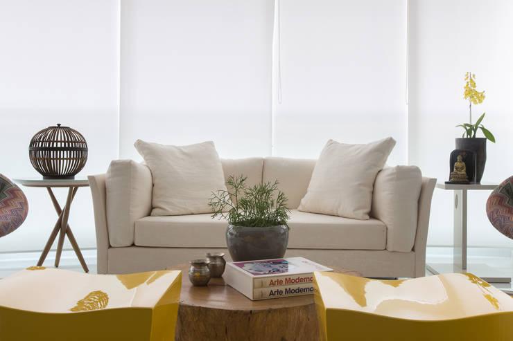 Apartamento P|B: Terraços  por Lodo Barana Arquitetura e Interiores