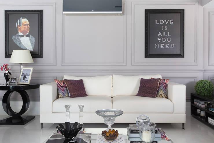 Apartamento P|B: Salas de estar  por Lodo Barana Arquitetura e Interiores