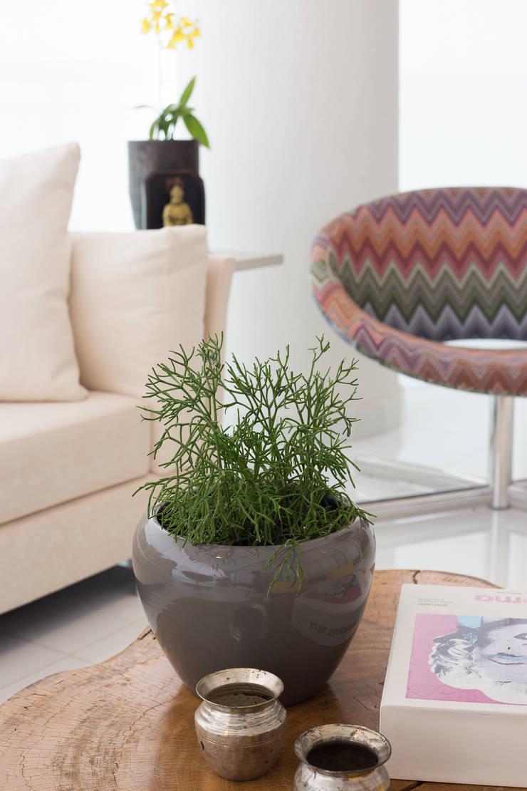 Apartamento P|B: Paisagismo de interior  por Lodo Barana Arquitetura e Interiores