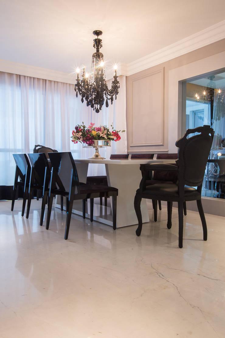 Apartamento P|B: Salas de jantar modernas por Lodo Barana Arquitetura e Interiores
