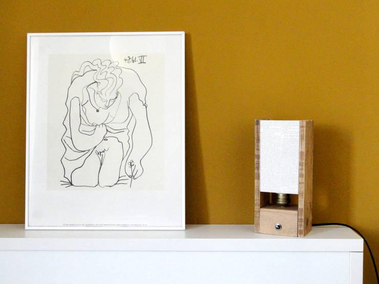 Lámpara Júlia: Dormitorios de estilo  de WABI