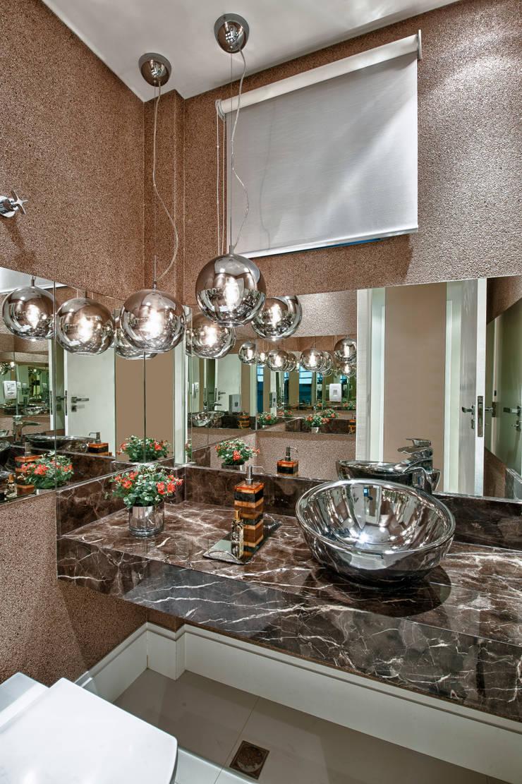 Lavabo: Banheiros  por Lucia Navajas -Arquitetura & Interiores