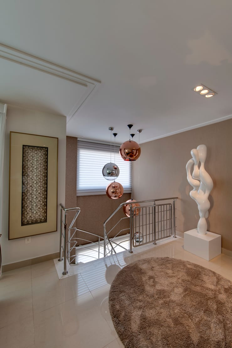 Hall e  Escadaria: Corredores e halls de entrada  por Lucia Navajas -Arquitetura & Interiores