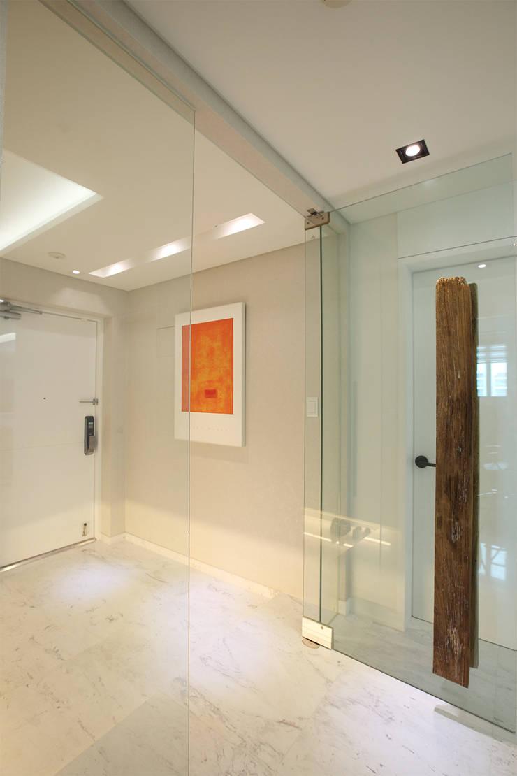 Koridor dan lorong oleh MID 먹줄