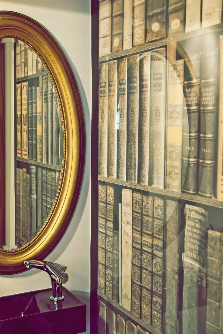 Eklektyczna willa wielorodzinna: styl , w kategorii Łazienka zaprojektowany przez Pracownia Architektury Wnętrz Hanny hildebrandt