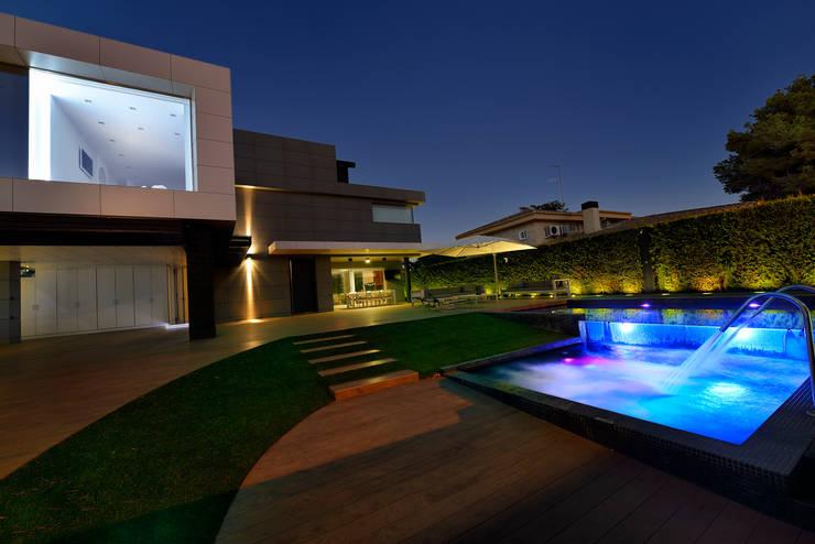 Vista exterior 2: Casas de estilo  de Duart-Vila Arquitectes S.L.P.