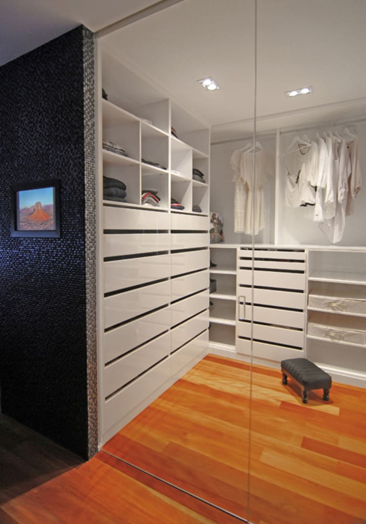 Zona de vestidor: Vestidores de estilo  de Duart-Vila Arquitectes S.L.P.