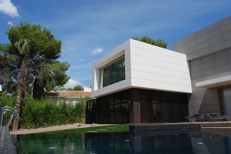 Vista exterior 4: Casas de estilo  de Duart-Vila Arquitectes S.L.P.