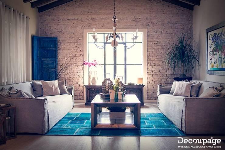 Simetría en total equilibrio...: Hogar de estilo  por Decoupage