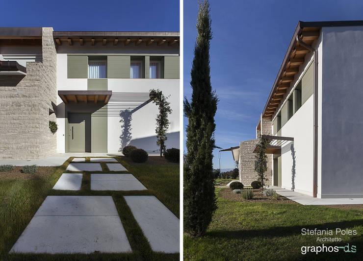 La casa in campagna                        (Brugnera PN): Case in stile  di GRAPHOS_DS