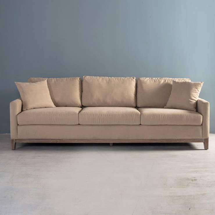 Sofa Protos Novo Beige: Salas de estilo minimalista por mobica