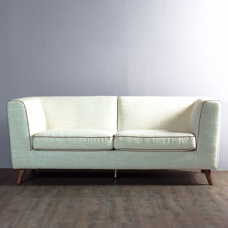 Sofa Luciana: Salas de estilo  por mobica