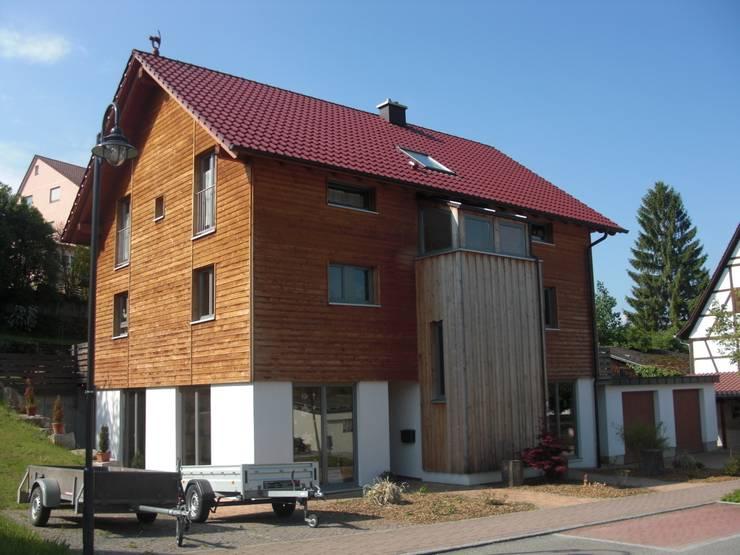 Haus S: klassische Häuser von Laifer Holzsysteme