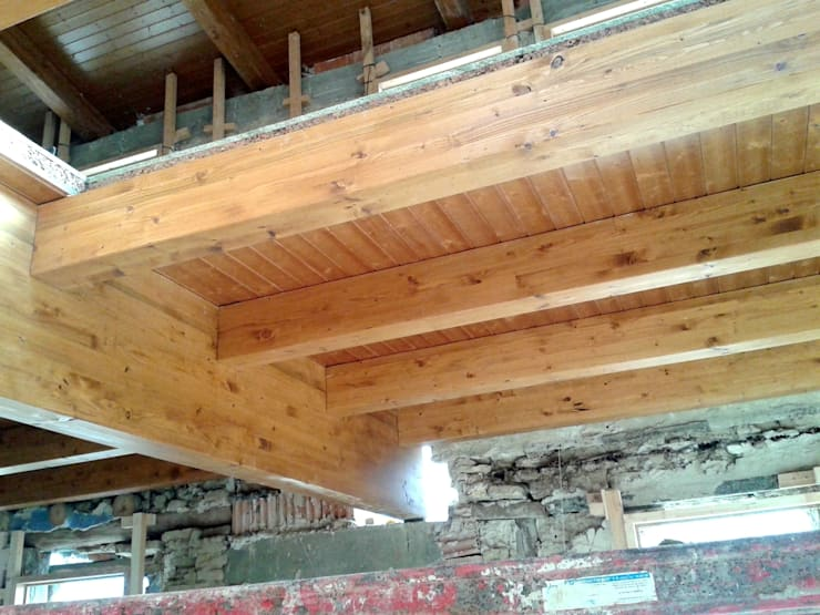 Forjado de madera laminada: Salones de estilo  de CUTECMA Estructuras de madera