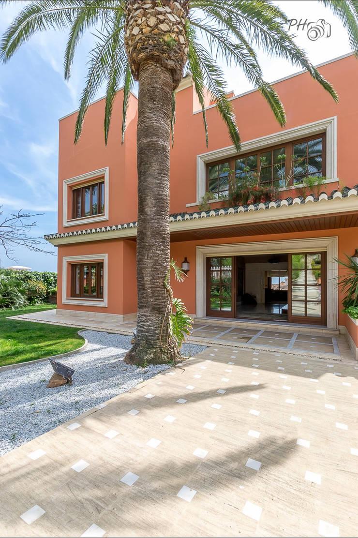 Patio: Casas de estilo  de Hansen Properties