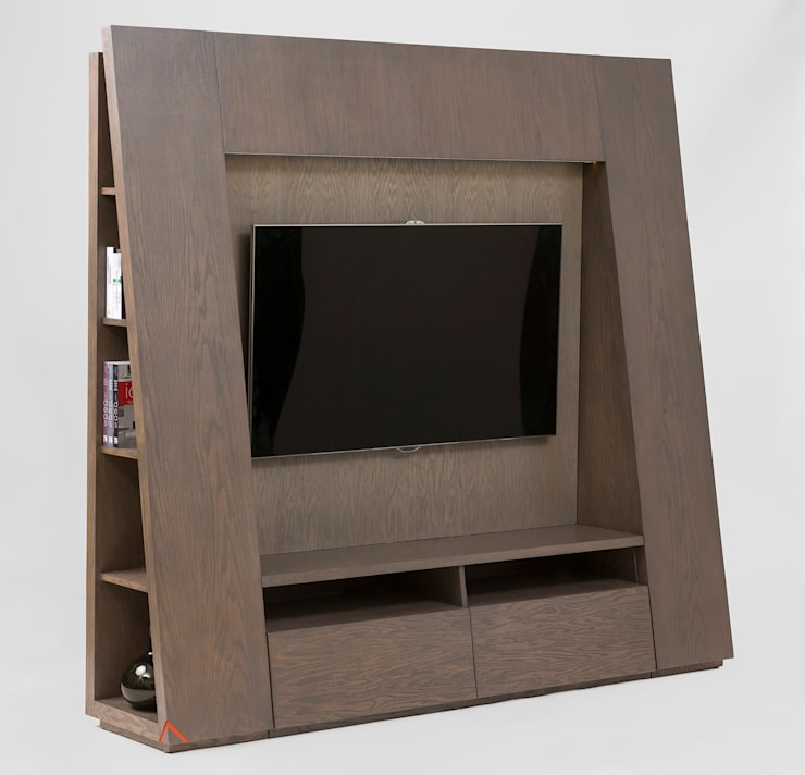 Mueble de TV triangular: Sala multimedia de estilo  por MADERISTA
