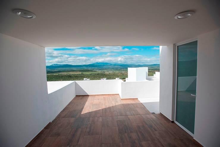 Roof Garden: Terrazas de estilo  por JF ARQUITECTOS