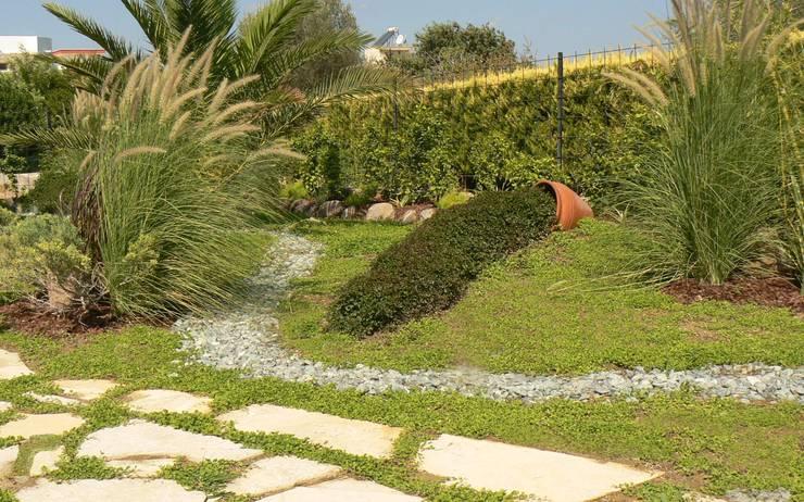 Jardines de estilo  por sihirlipeyzaj