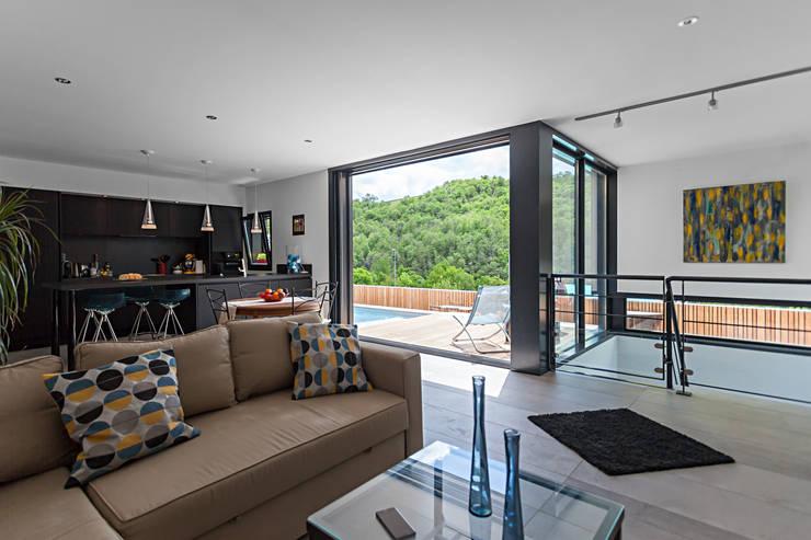 Projekty,  Salon zaprojektowane przez Hugues TOURNIER Architecte