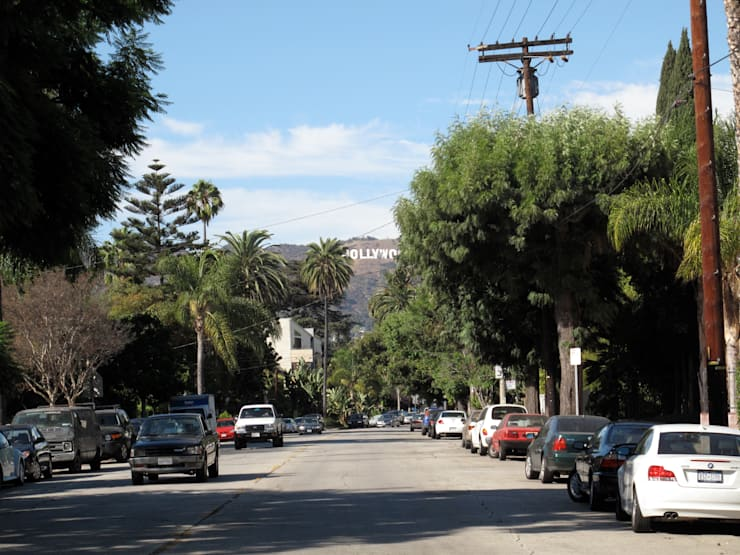 under the hollywood sign: Maisons de style  par Studio Pan
