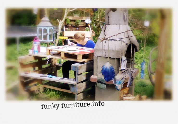 http://funkyfurniture.info/workshops/:  Tuin door Funky furniture
