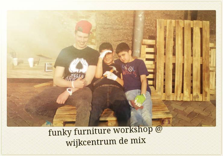 http://funkyfurniture.info/workshops/:  Woonkamer door Funky furniture