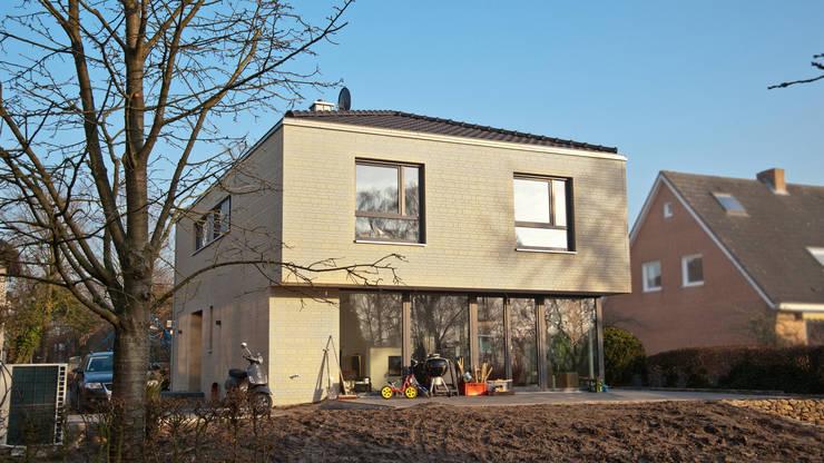 Gartenansicht:  Häuser von w+p architekten