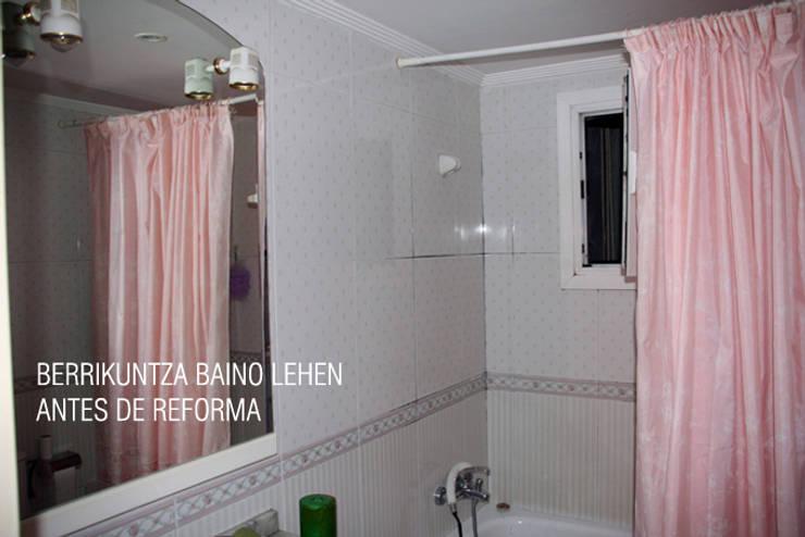 BAÑO ANTES DE REFORMAR: Baños de estilo  de ERRASTI