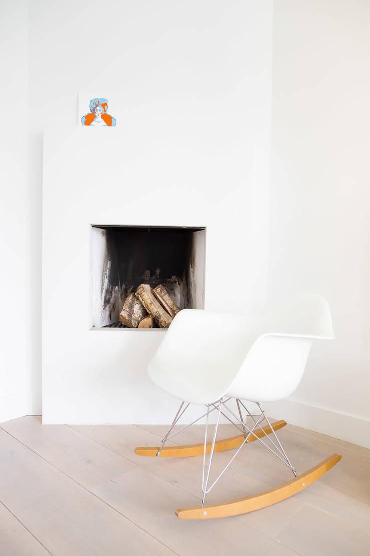 Woonhuis Laren:  Woonkamer door ontwerpplek, interieurarchitectuur, Modern