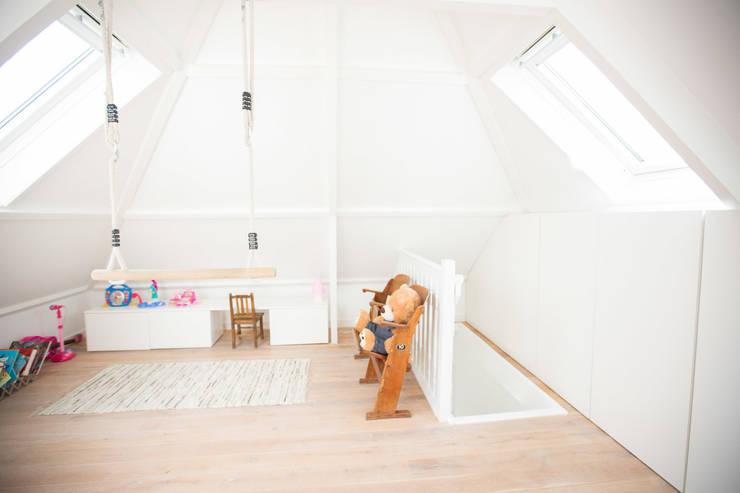 Woonhuis Laren:  Kinderkamer door ontwerpplek, interieurarchitectuur, Modern
