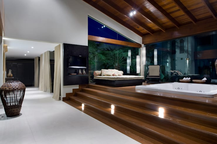 Residência Lago Telmo: Spas modernos por Gláucia Britto